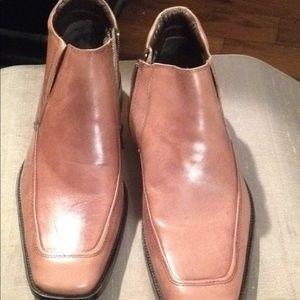 Steve Madden leathr zip caramel boot